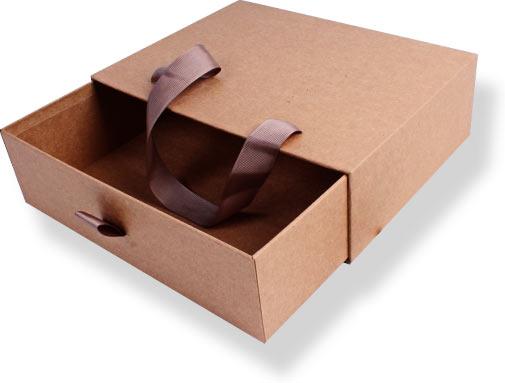 крафтовые коробки с лентой