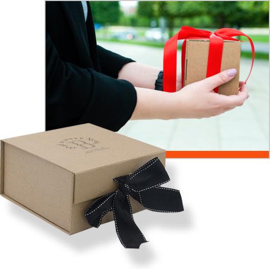 коробочки крафт с логотипом и лентой