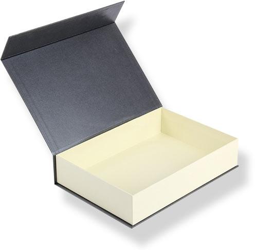 маленькие картонные коробочки