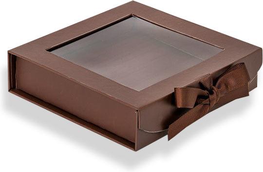новогодняя коробка с прозрачным окном из пленки